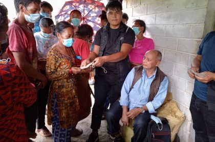 नेपाल स्याङकचुरी चर्चको अगुवाइमा हेलम्बुका ६० घरपरिवारलाई आर्थिक सहयोग