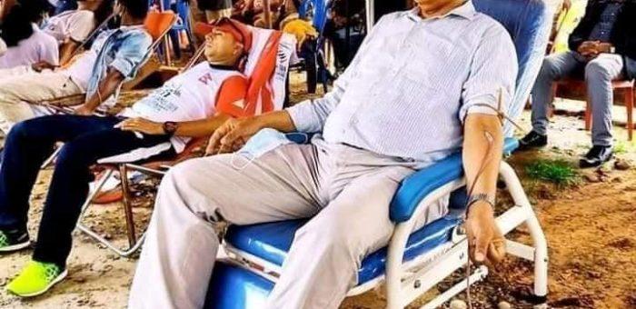 काँग्रेसले आयाेजना गरेको रक्तदानमा १०२ ले गरे रक्तदान