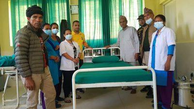 सुनकोशीका स्वास्थ्य केन्द्रमा राप्रपाको बेड सहयोग